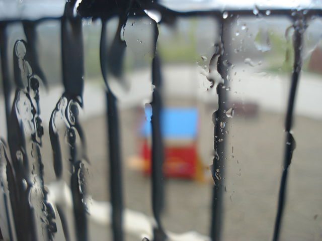 Pluie sur la vitre