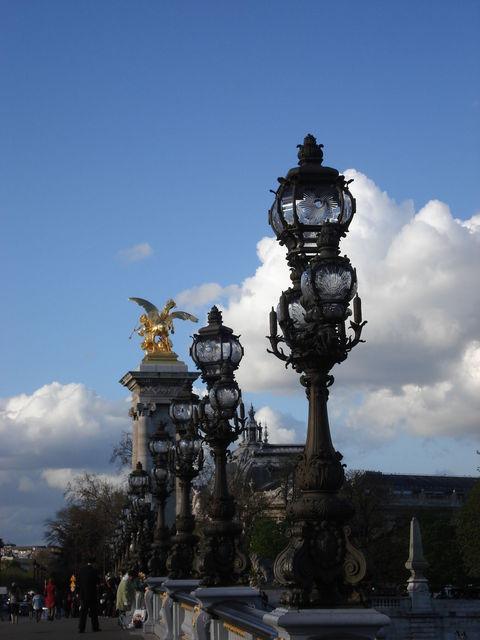 Rangée de lampadaires