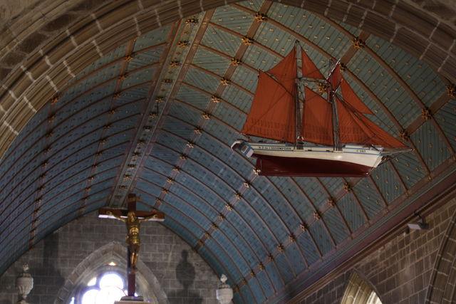 Intérieur d'une église bretonne