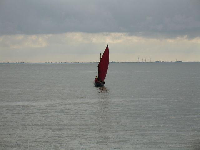 Petit bateau à voile